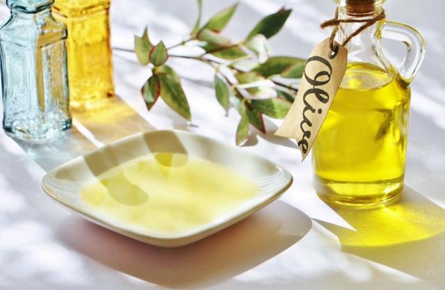 オリーブオイル洗顔って効果あるの?