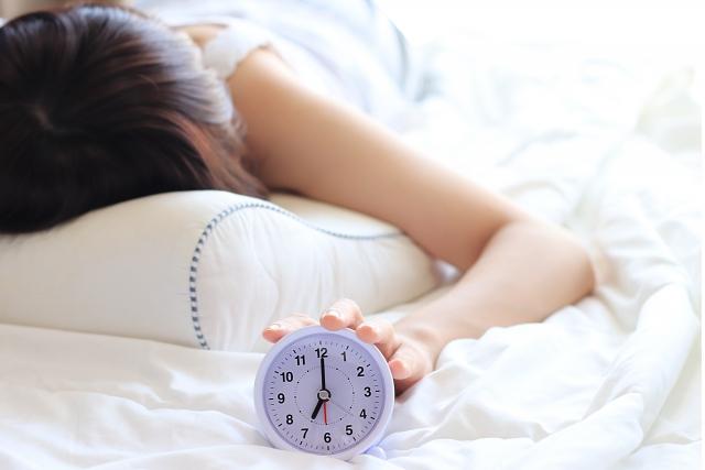 睡眠と毛穴は深い関係があった!!知らないと損!睡眠環境を変えるだけで、肌は劇的に変わる!?