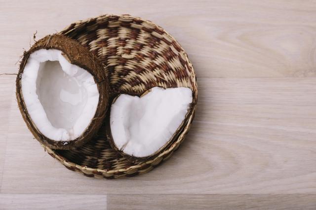 ココナッツオイルがいちご鼻に効果的!!マッサージの方法は?