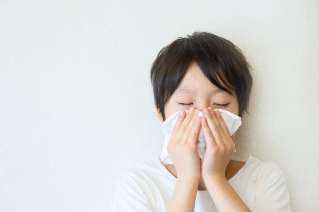 花粉症=肌トラブル?実は関係が深かった。。花粉が招く肌トラブルとは?