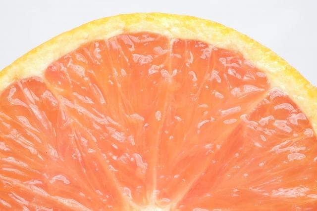 スーパー行ったら即買い!入ってすぐ目につく『グレープフルーツ』。あの甘酸っぱさは悪魔的…美容効果の高い柑橘系の中であなたはどれがお好み?