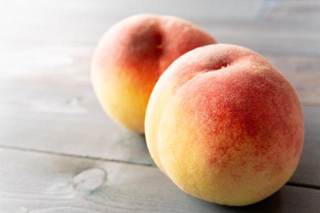 本能的に好き。まるでおしりみたい…。かぶりつきたくなる!旬のあのフルーツは心強い美の味方!?女性を魅了する『桃』。そのヒミツとは?