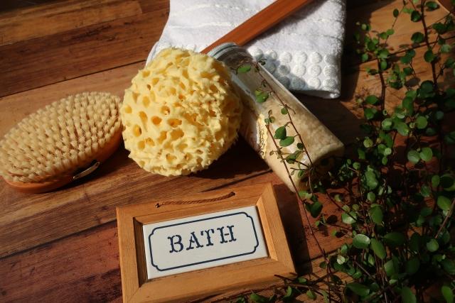 """新定番!美肌になれるお風呂の入りかた。""""半身浴""""はもう古い?これからは『HSP入浴法』で【熱ショック】の時代…"""