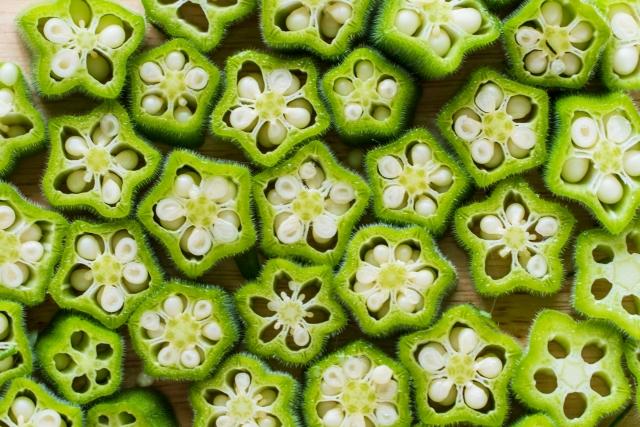 """食卓に並ぶと映えること間違いなし!可愛い星形の野菜ってなーんだ?好きな人はもっと好きに…苦手な人も食べたくなっちゃう!""""オクラ""""の美容効果とは?"""